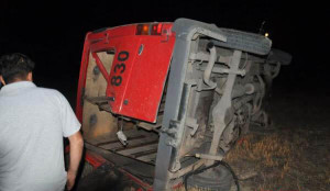 Hacıqabulda avtobus aşdı